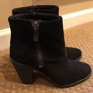 Jessica Simpson booties!